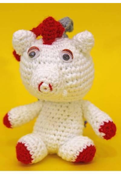 Unicornio Blanco y Rojo con Tirabuzones de Colores (Amigurumis)
